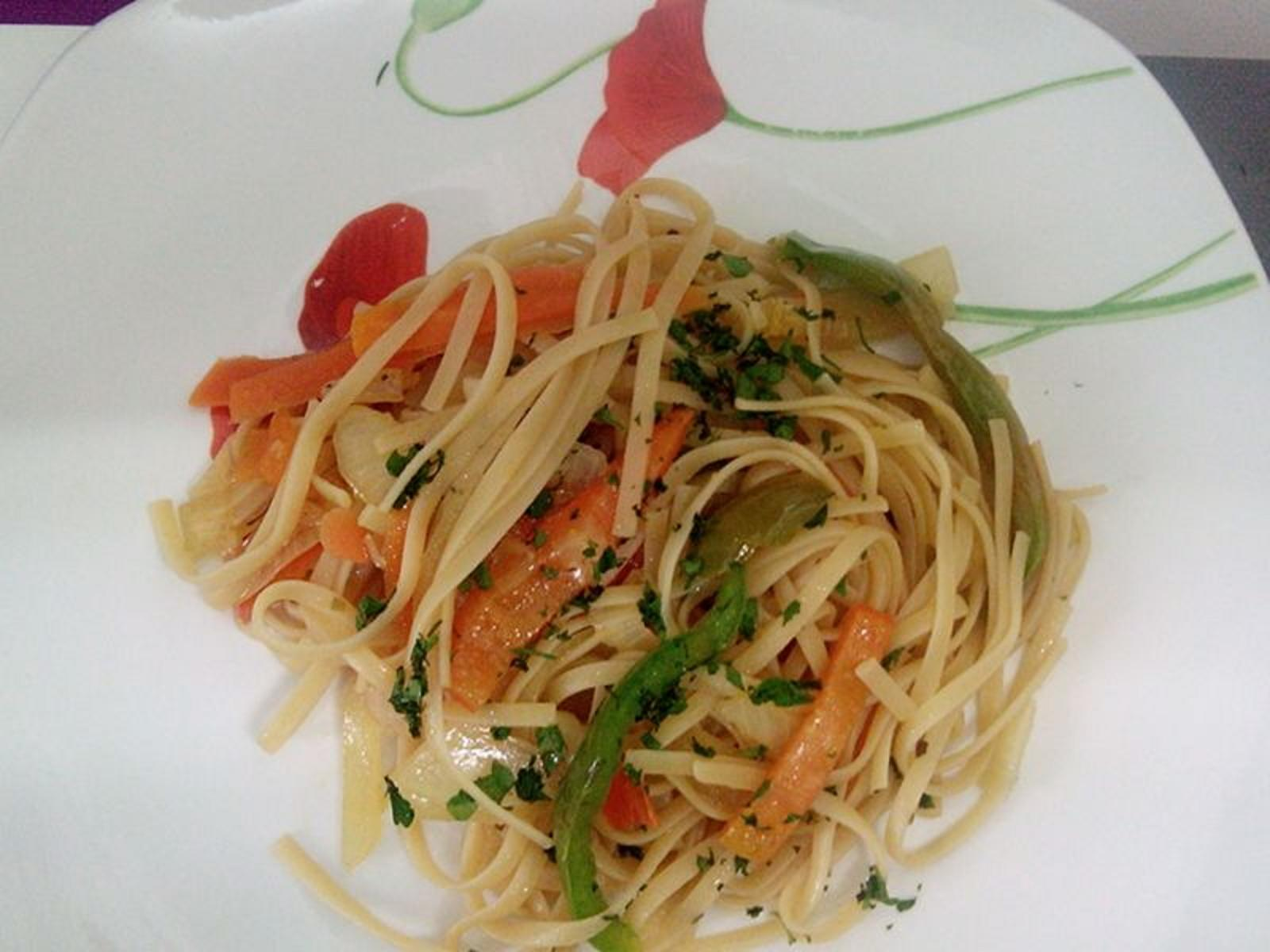 tallarines  salteados con verduras a la salsa de soja