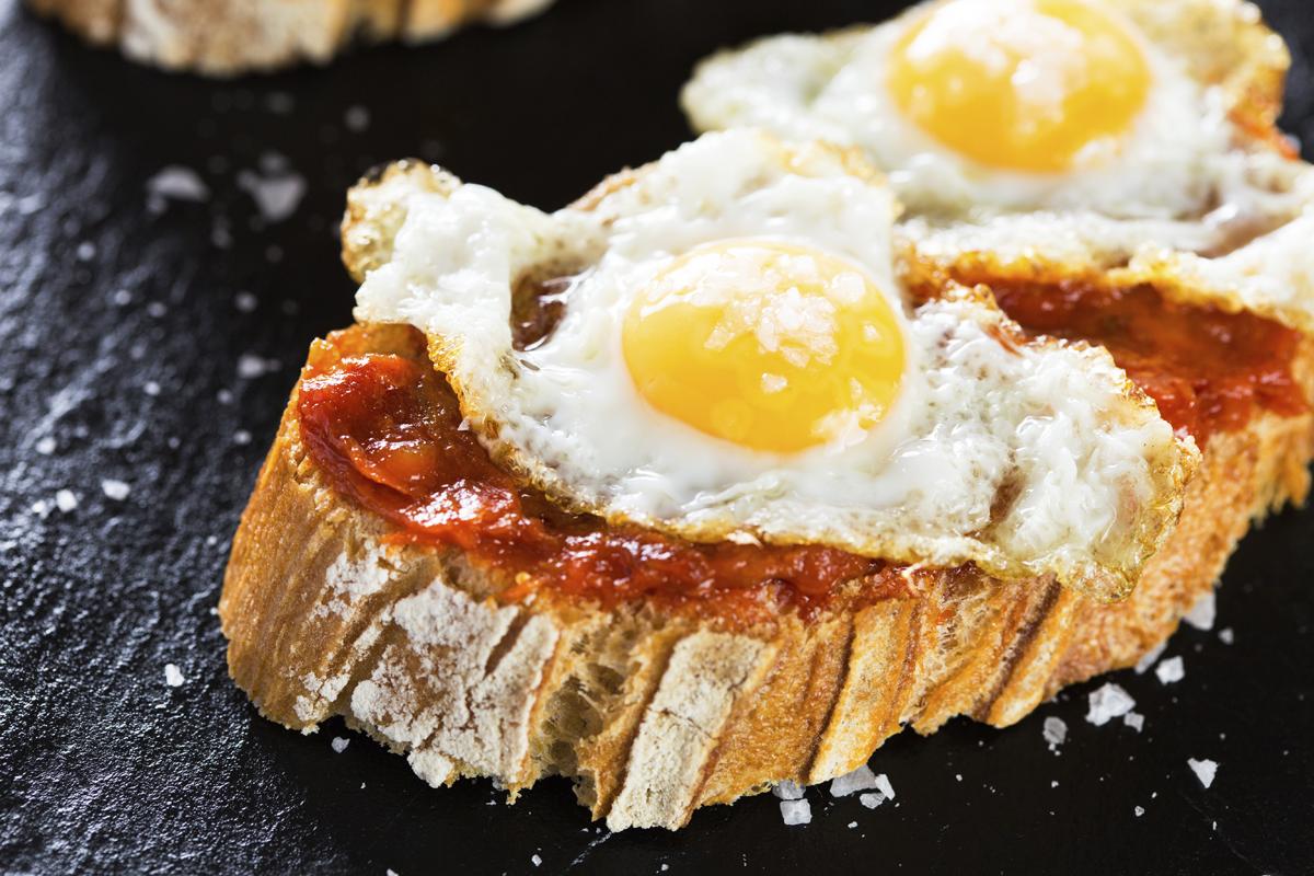 Pincho de sobrasada y huevo de codorniz