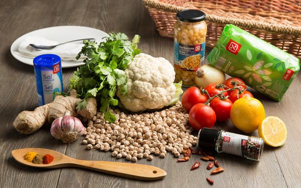curry vegano con garbanzos y coliflor