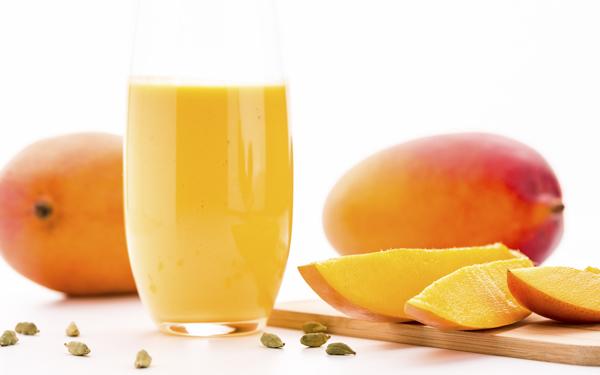 lassi de mango y cardamomo