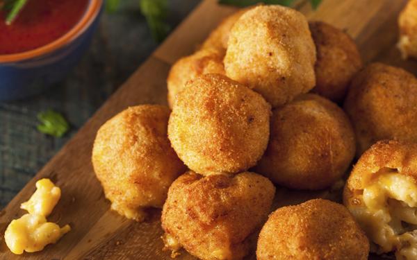 croquetas de macarrones con queso