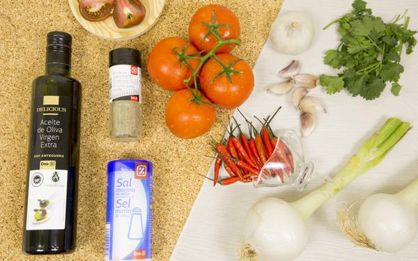 salsa de tomate con cilantro