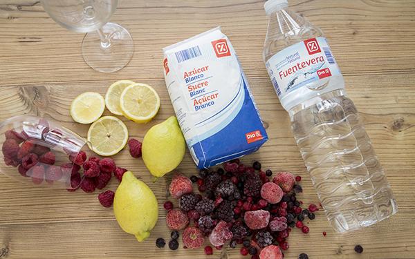 limonada de frutos rojos