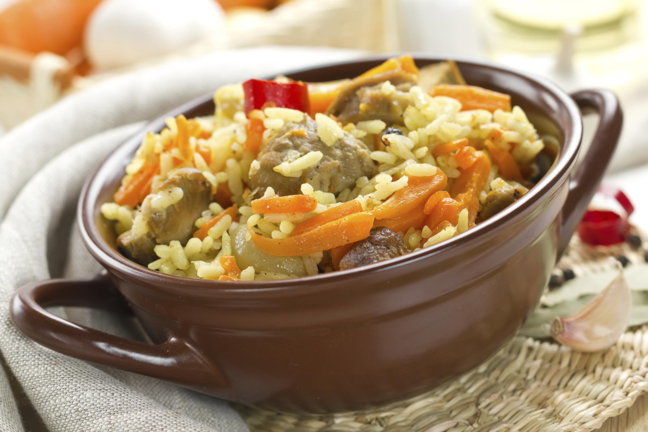 Arroz al azafrán con cerdo y verduras