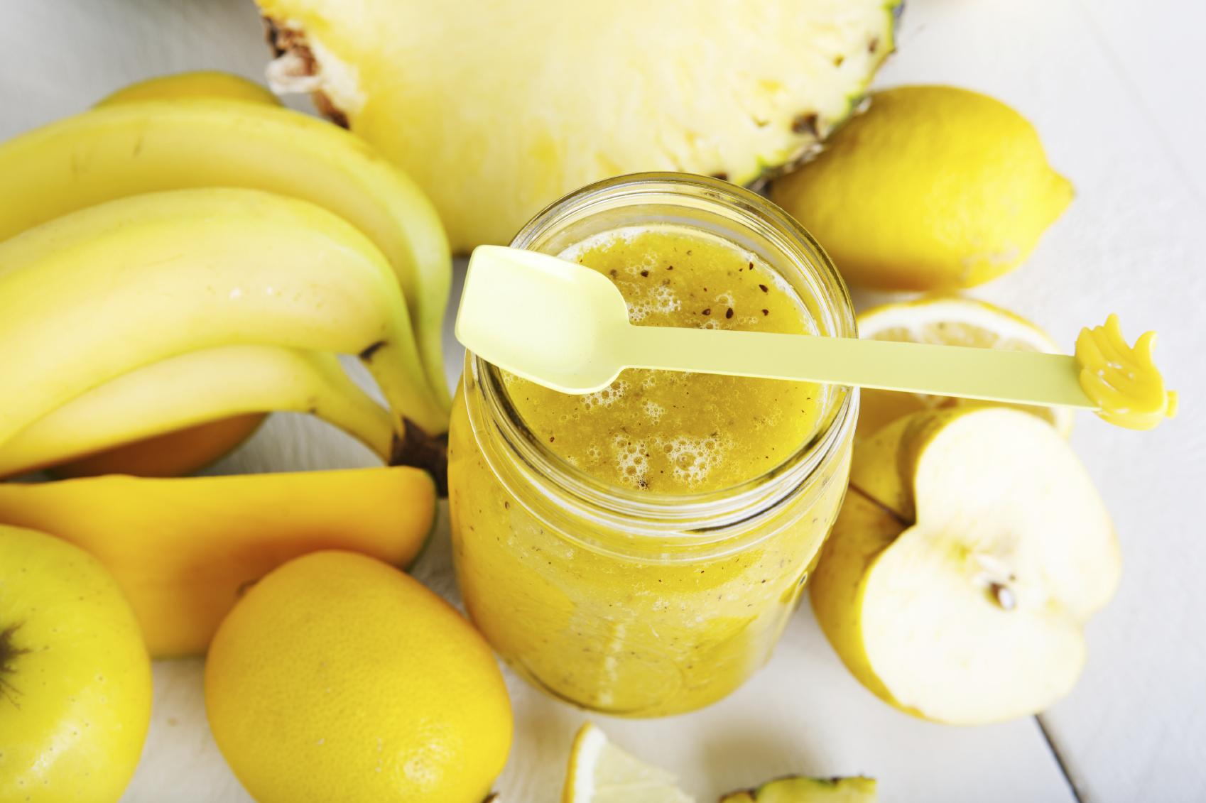 Batido smoothie de manzana, pera y naranja
