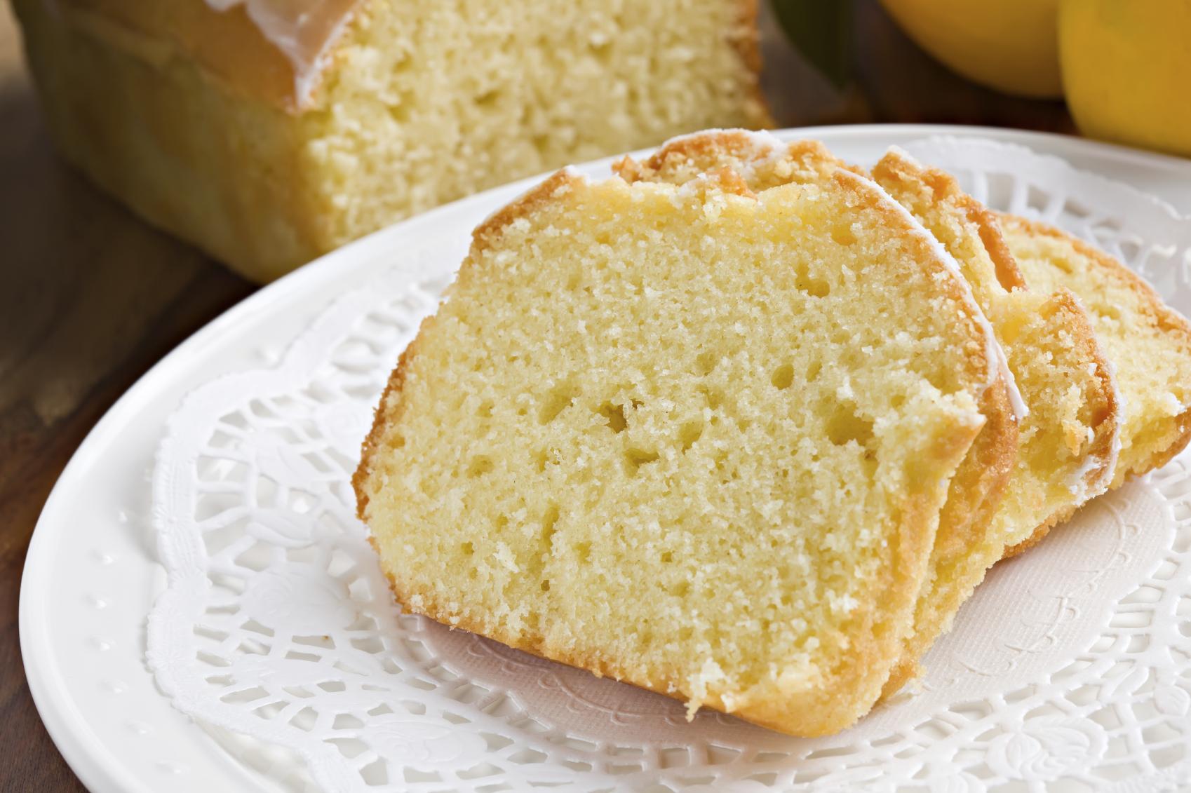 Bizcocho de limón con mantequilla