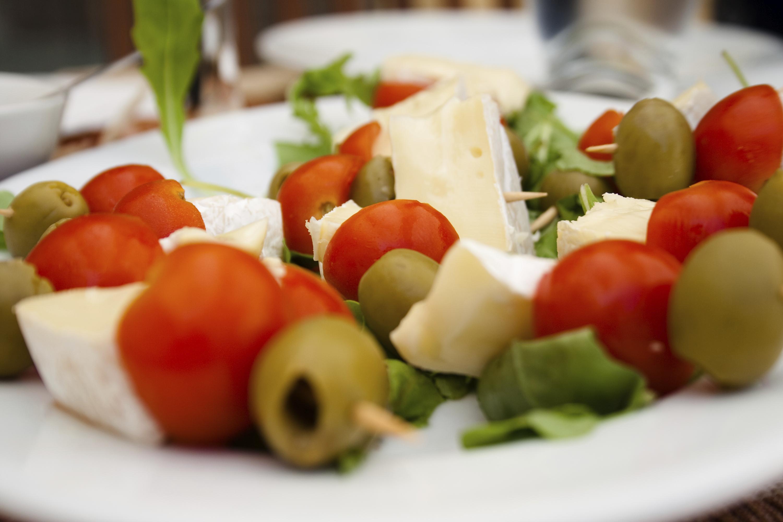 Brocheta de tomates Cherry y queso fresco