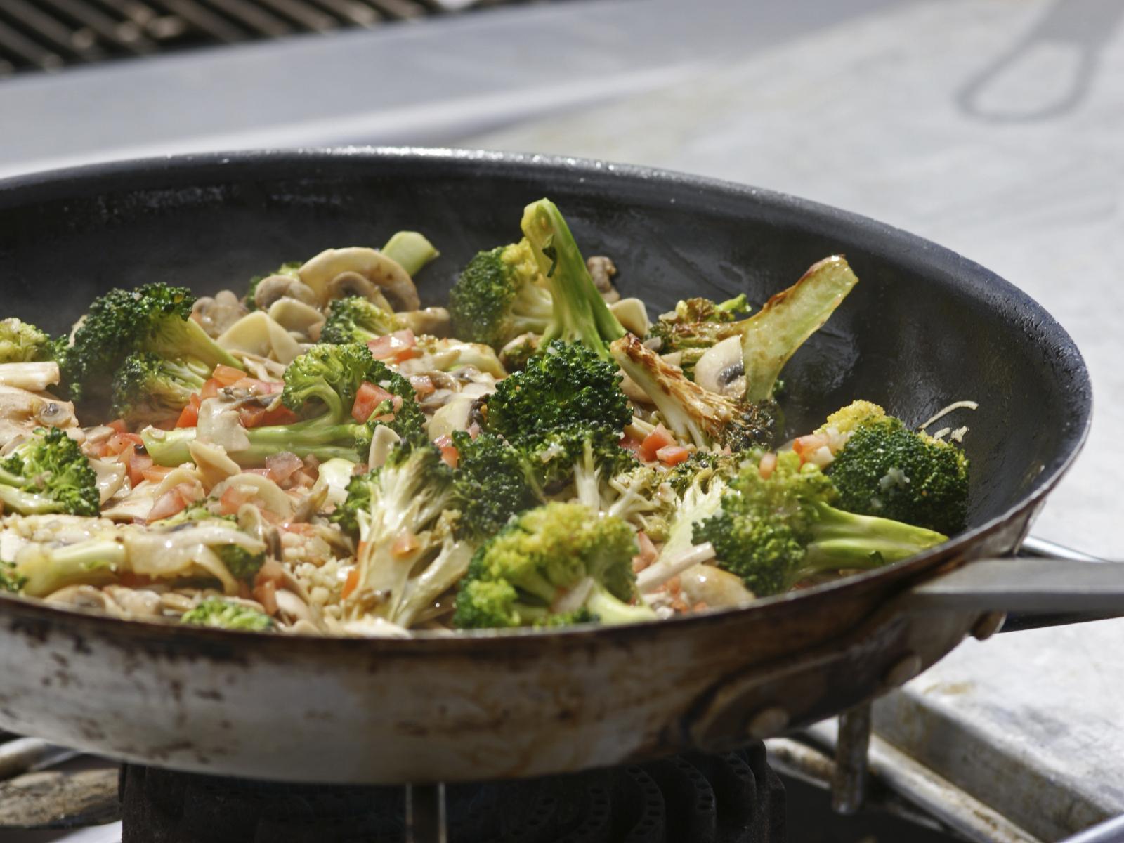 Brócoli con quinoa y champiñones
