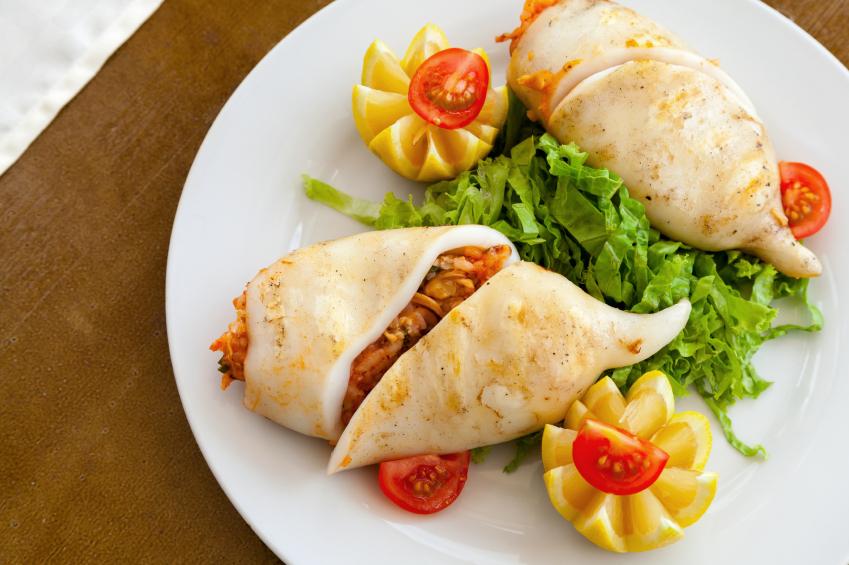 Calamares rellenos con verduras asadas
