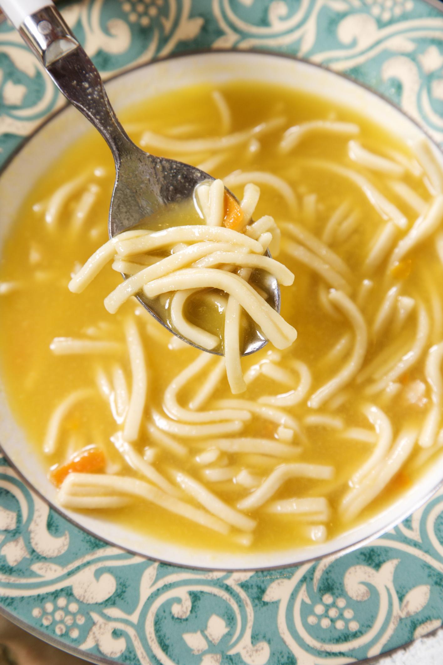 Caldo para sopa en olla a presión