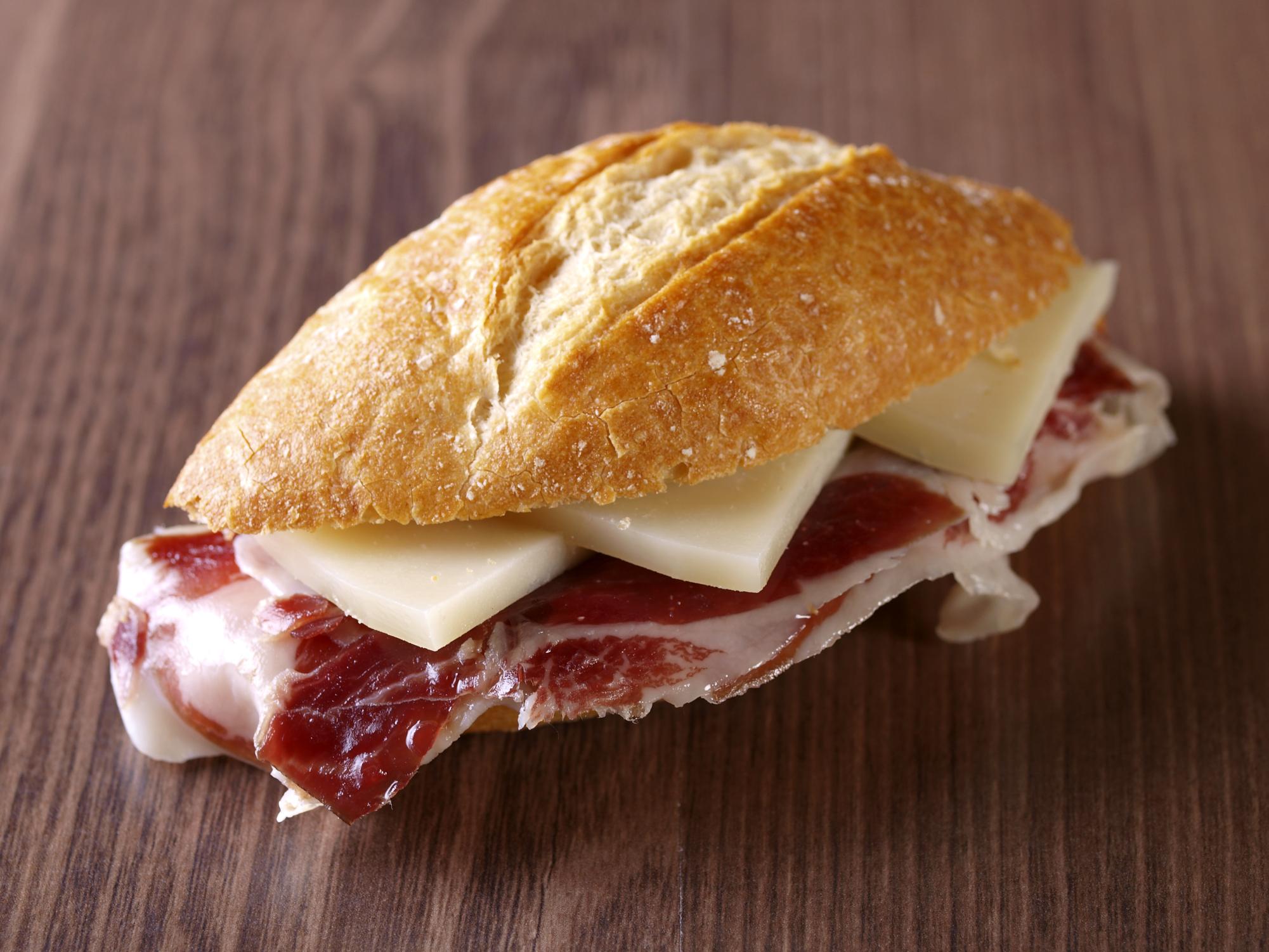 Catalana de jamón y queso