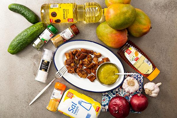 Cerdo crujiente con curry y salsa de mango