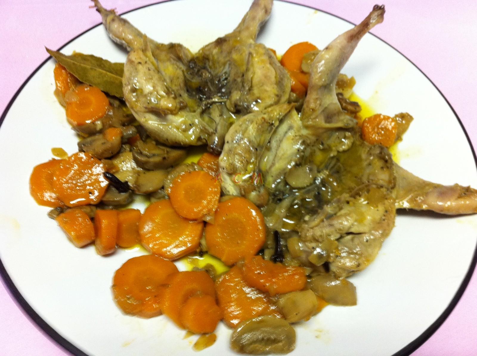 Codornices estofadas con verduras