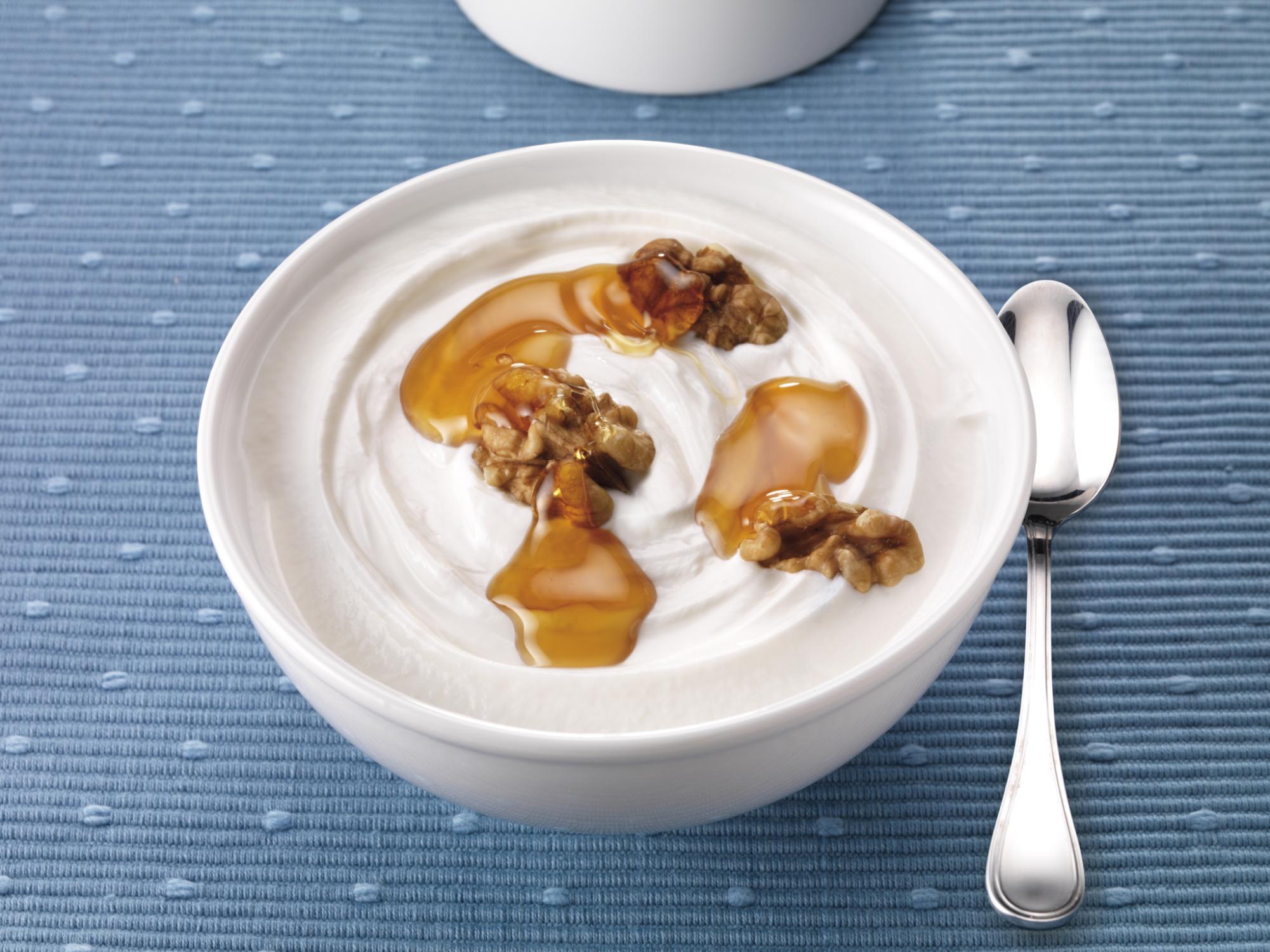 Como hacer cuajada casera con miel y nueces