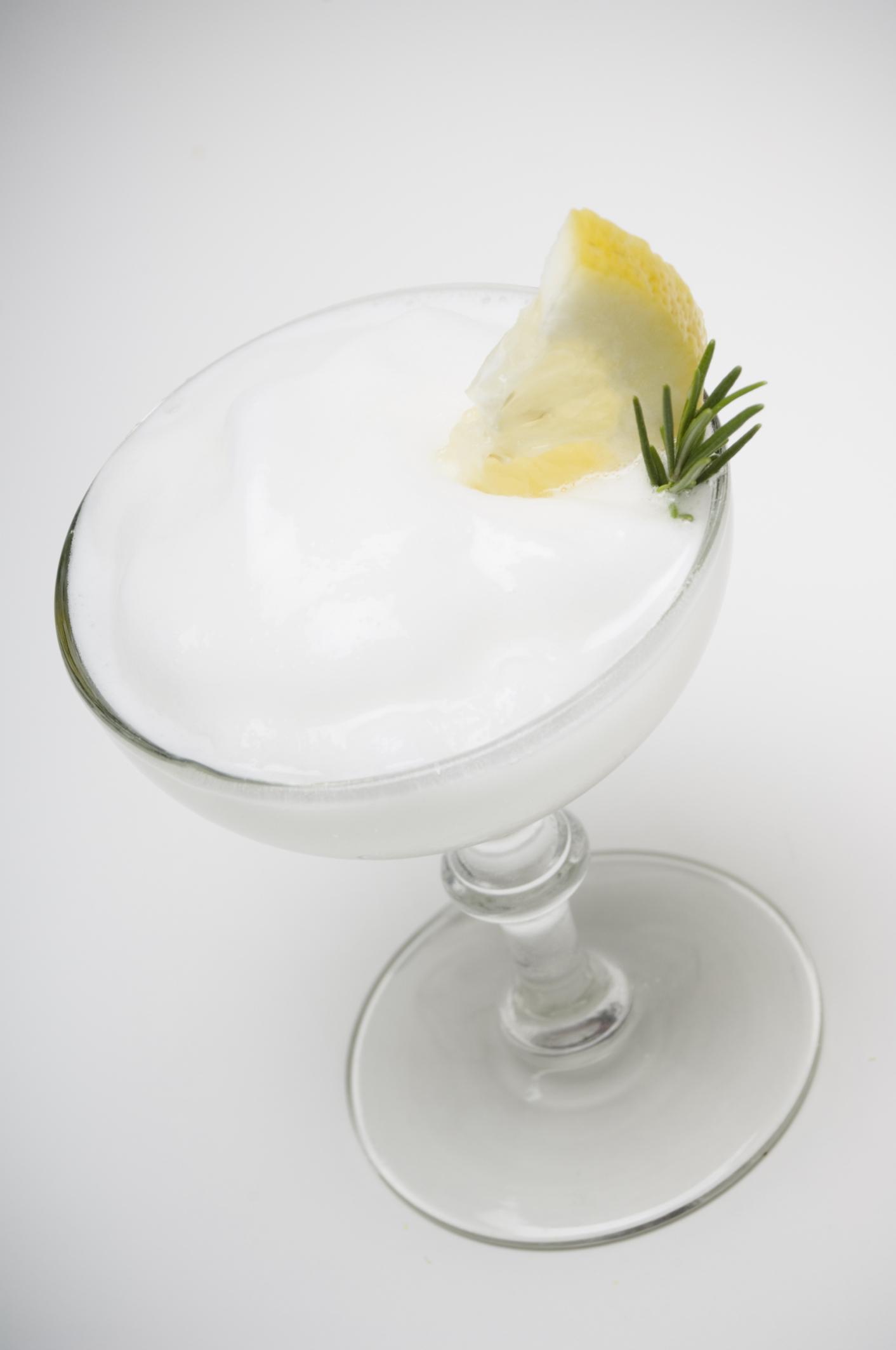 Copa burbujeante de lima y limón