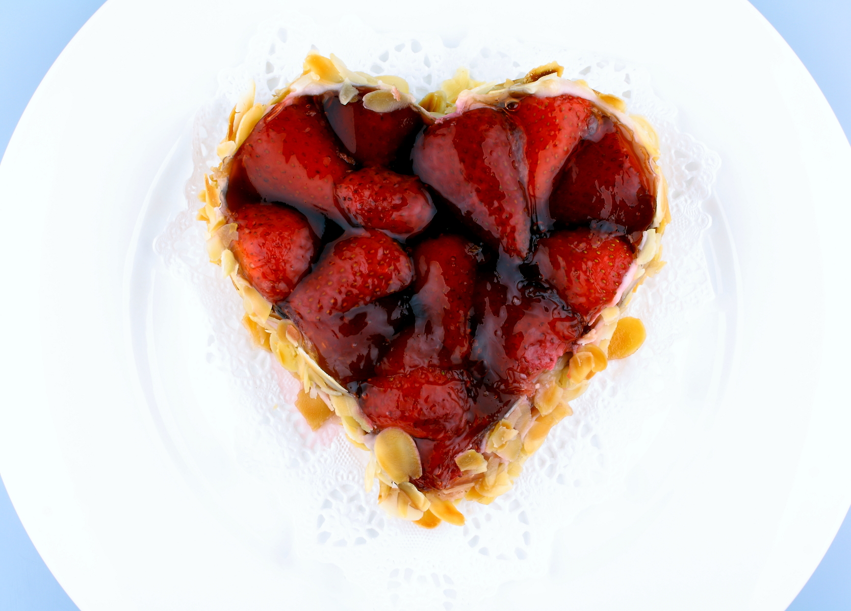 Corazón de hojaldre con fresas