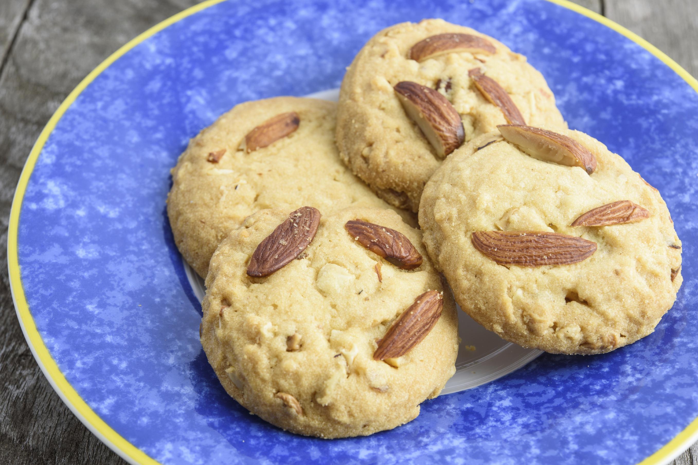 Cuajadas (galletas de azúcar y almendras)