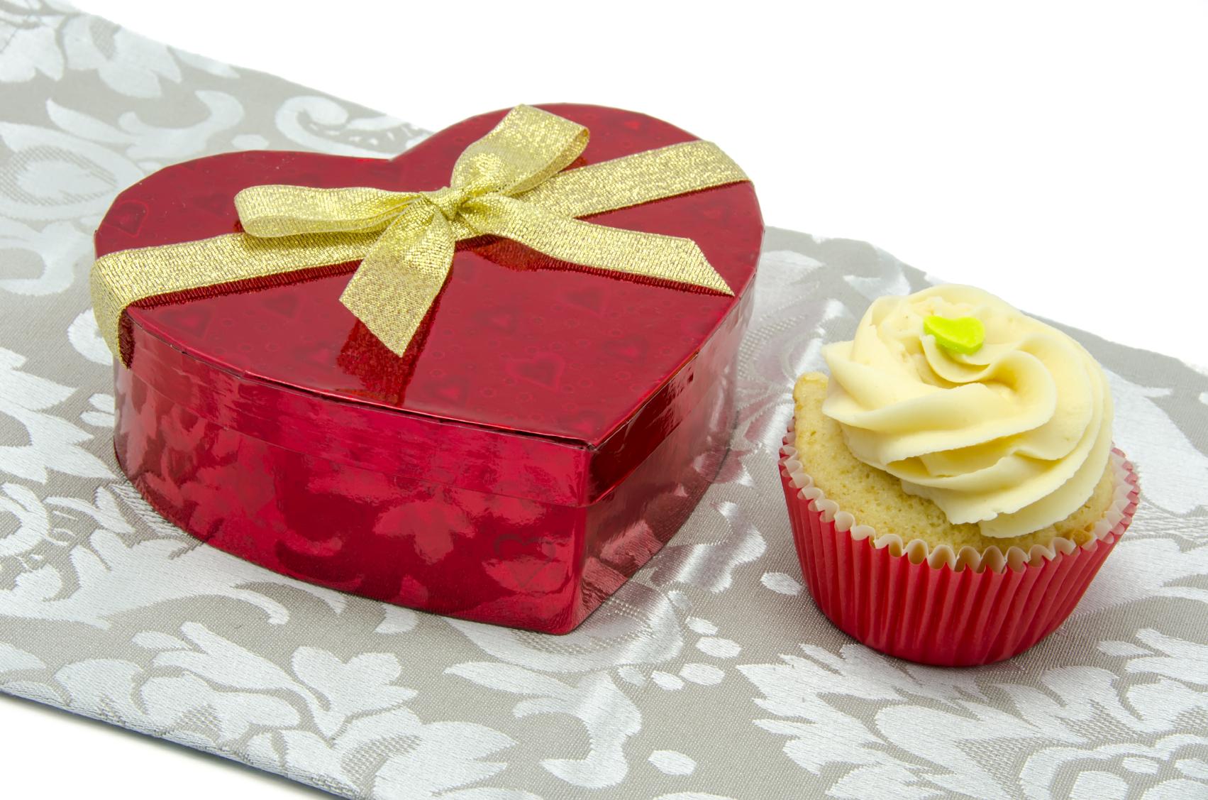 Cupcake de vainilla con corazón de mantequilla