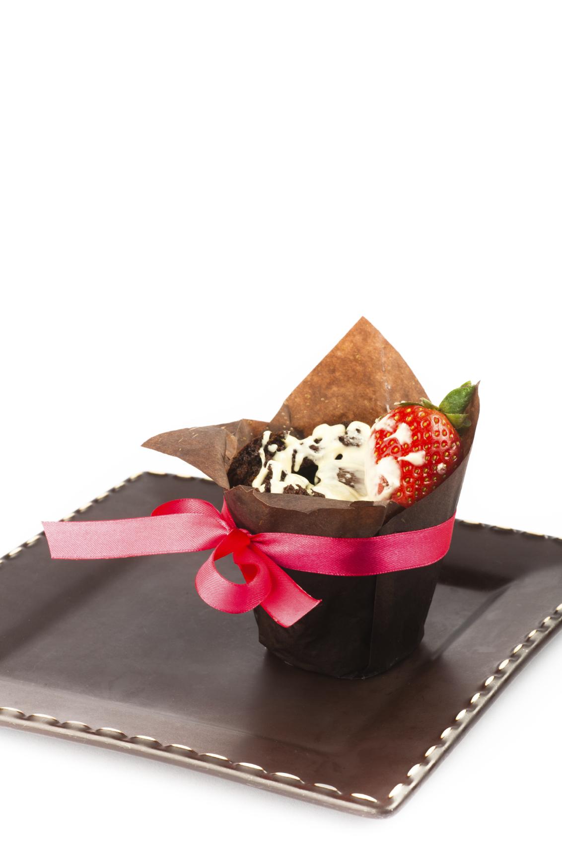 Cupcakes con fresas y chocolate blanco