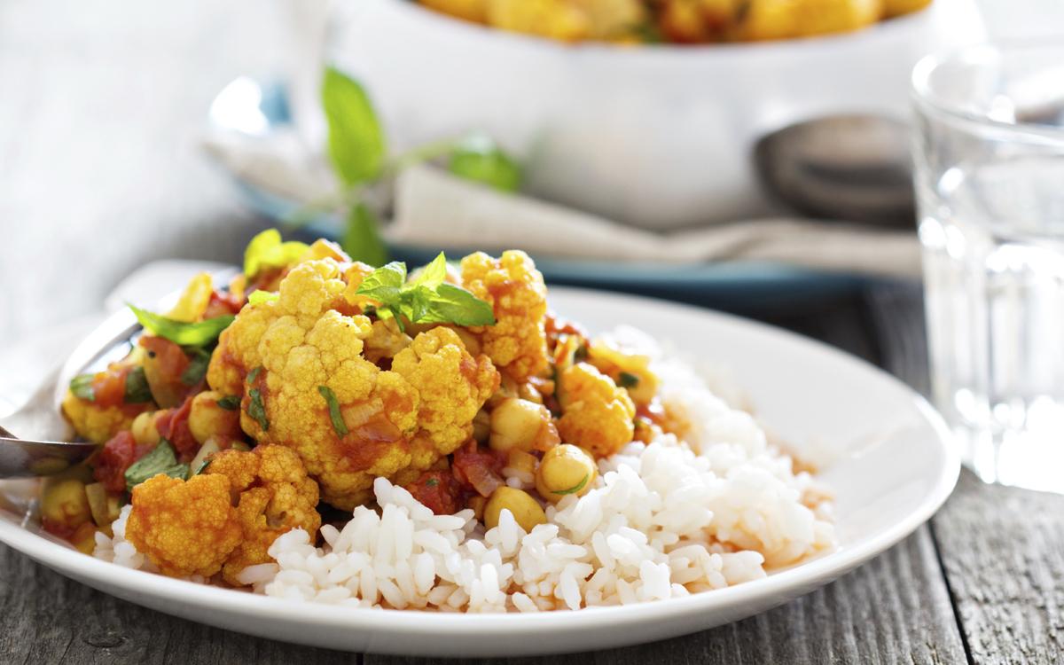 Curry vegano (con garbanzos y coliflor)