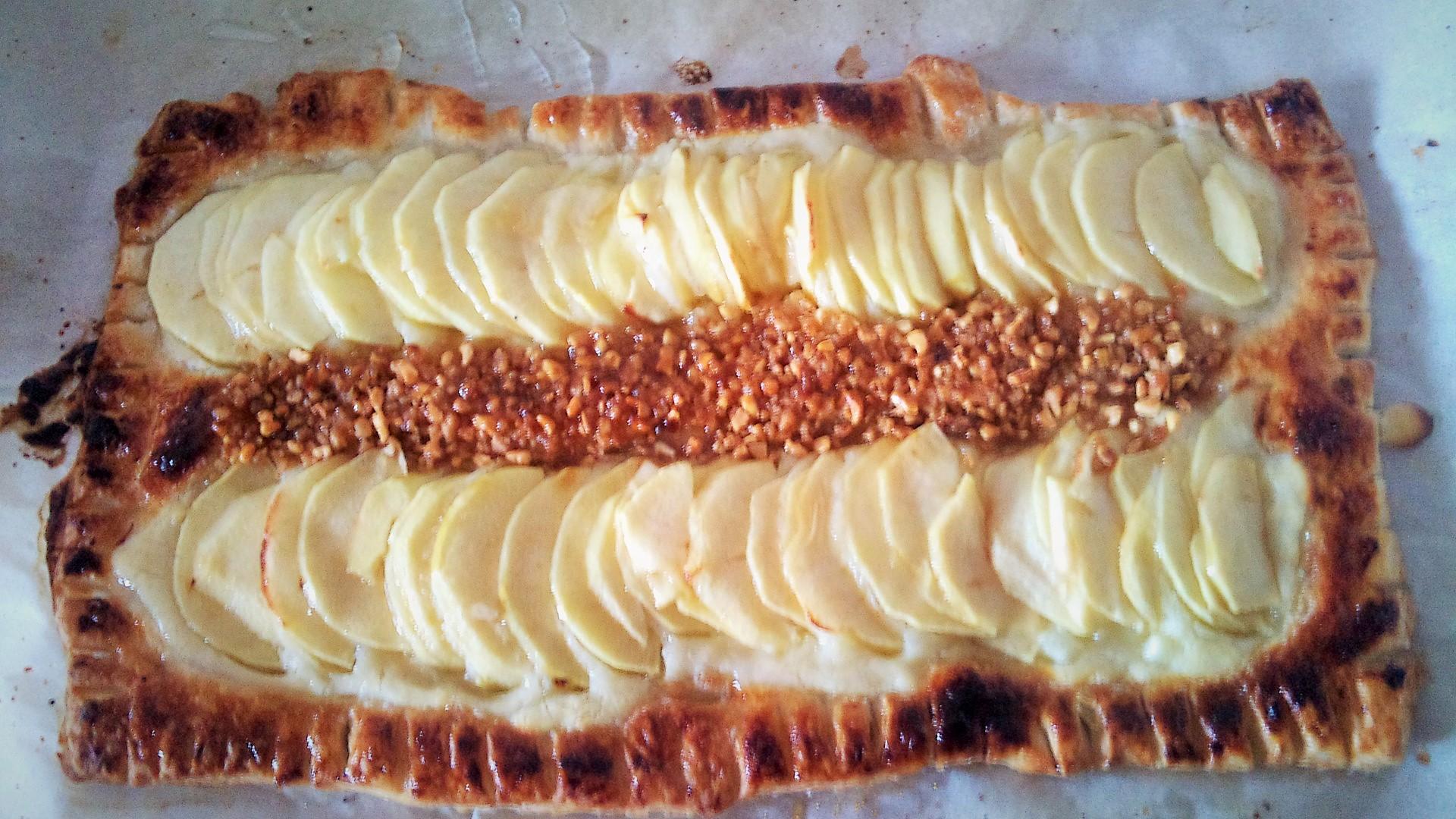 tarta hojaldrada de manzana