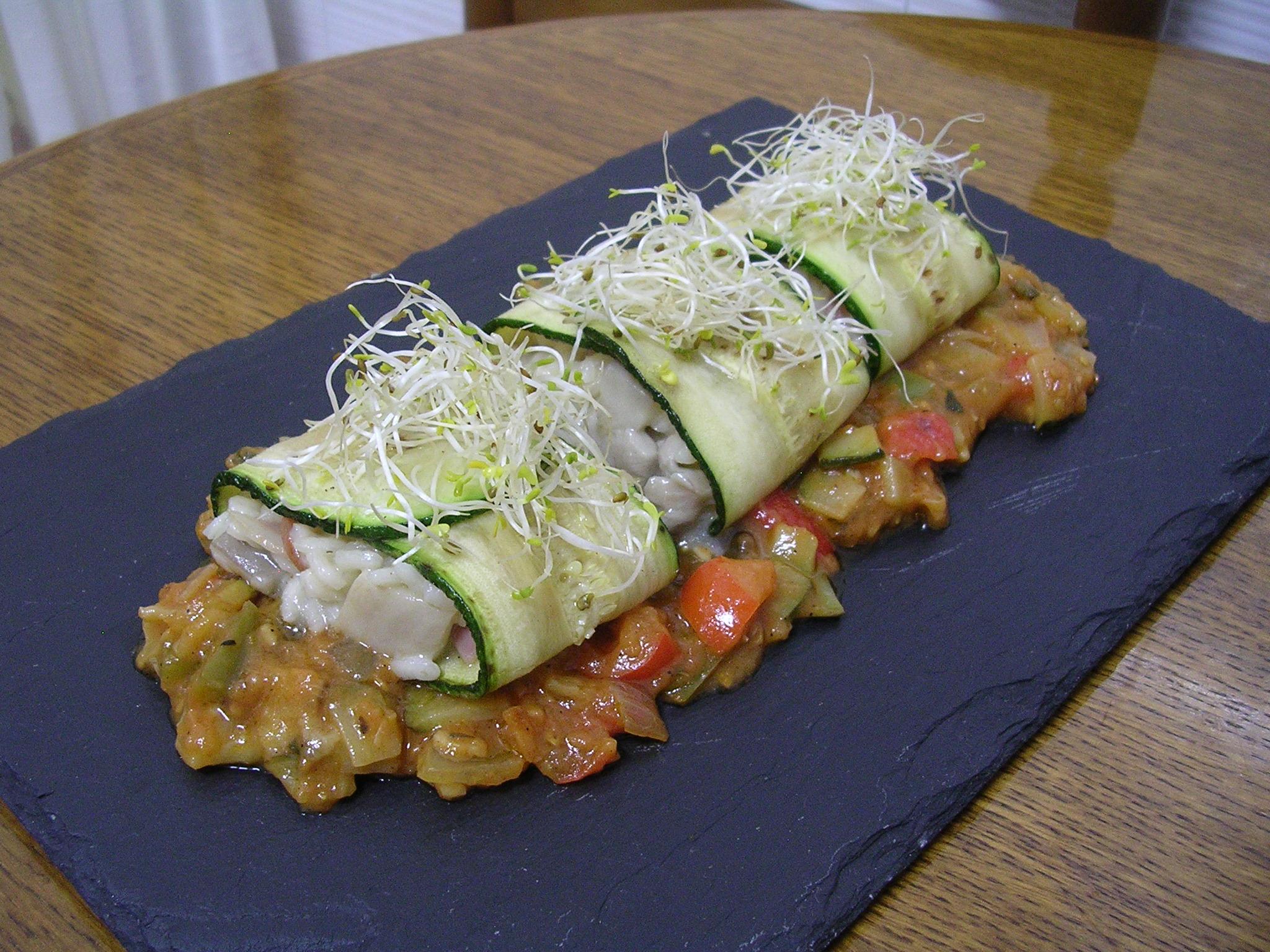 Calabacin relleno de risotto de lomo iberico acompañado de pisto de setas