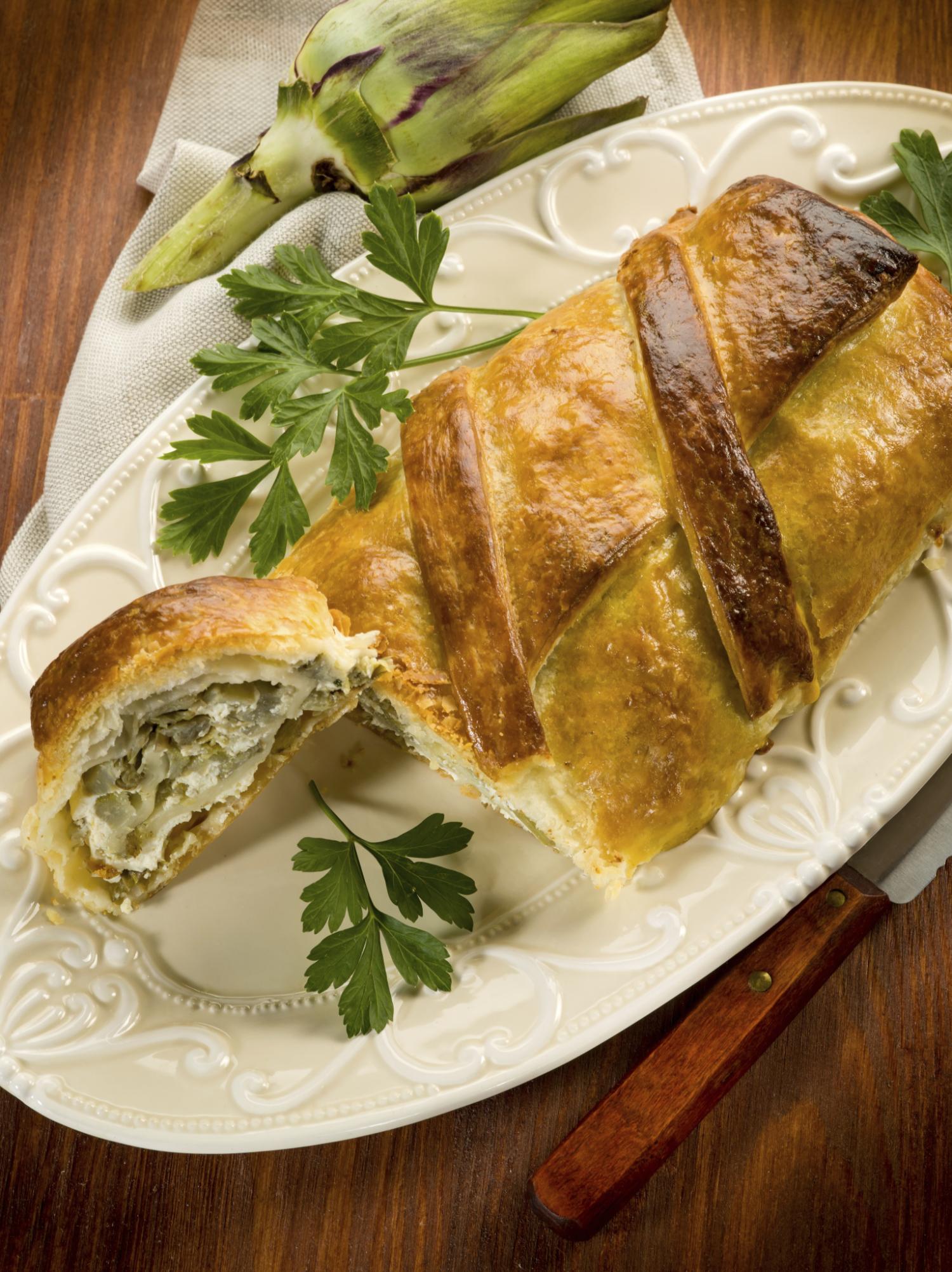 Empanada con alcachofas