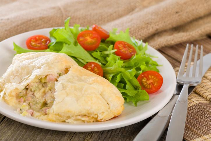 Empanada de pollo y puerros