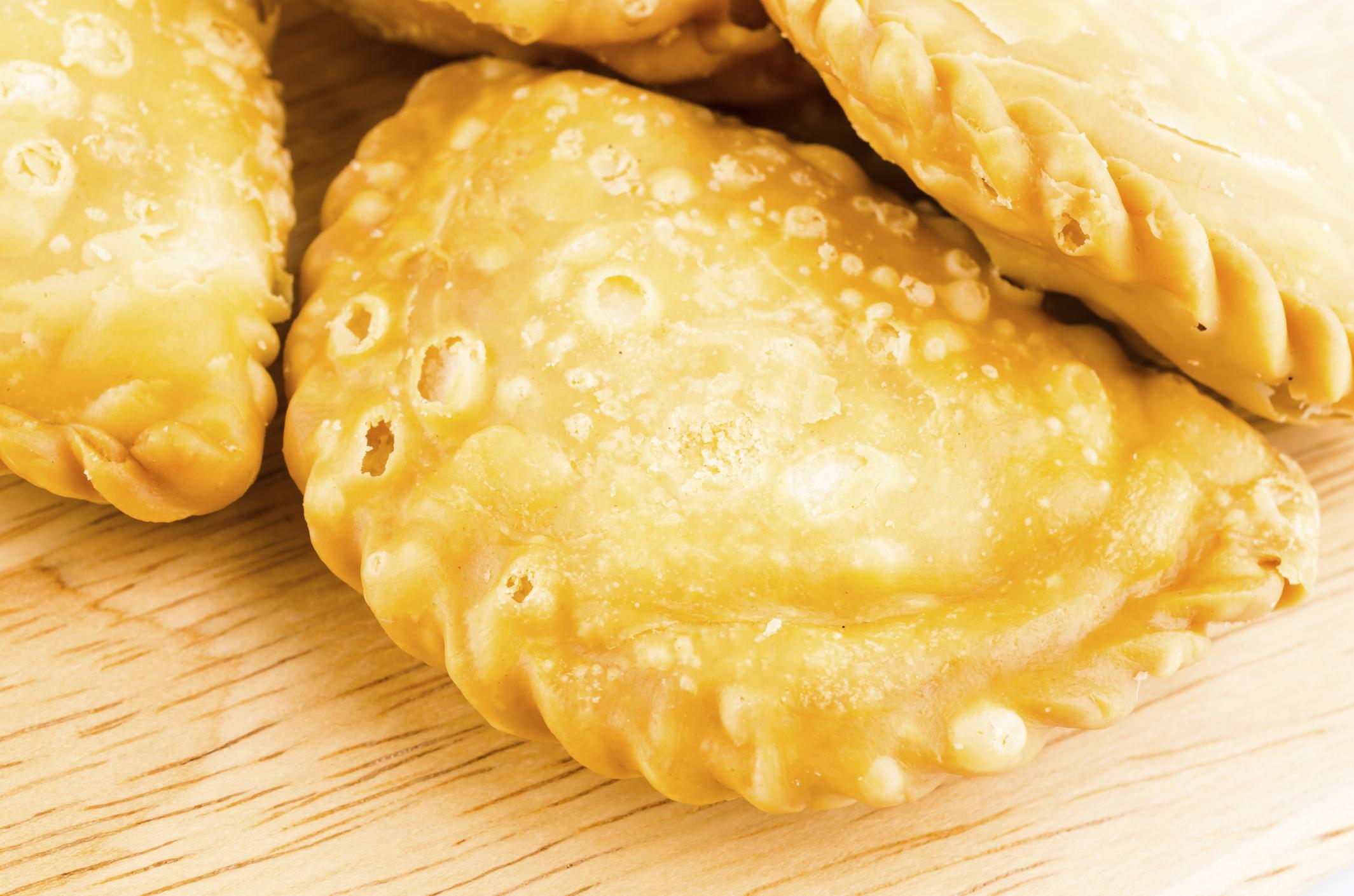 Empanadillas de morcilla y compota de manzana