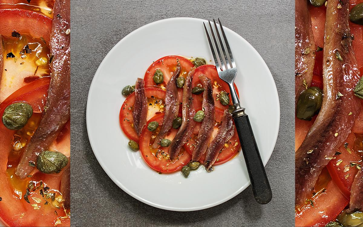 Ensalada de tomate con anchoas del cantábrico