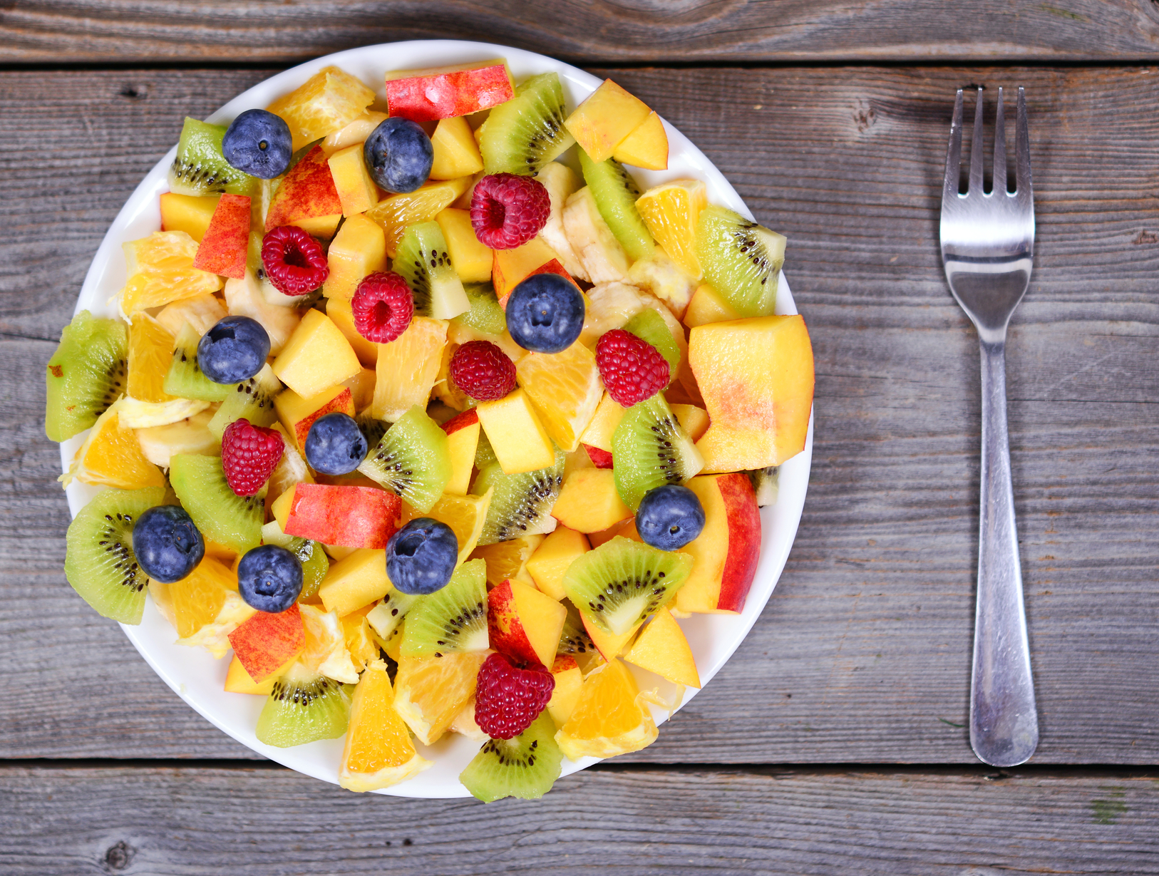 Ensalada de naranja, kiwi y fresas