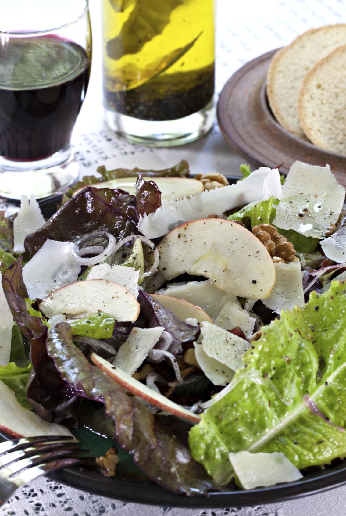 Ensalada con queso manchego y frutos secos