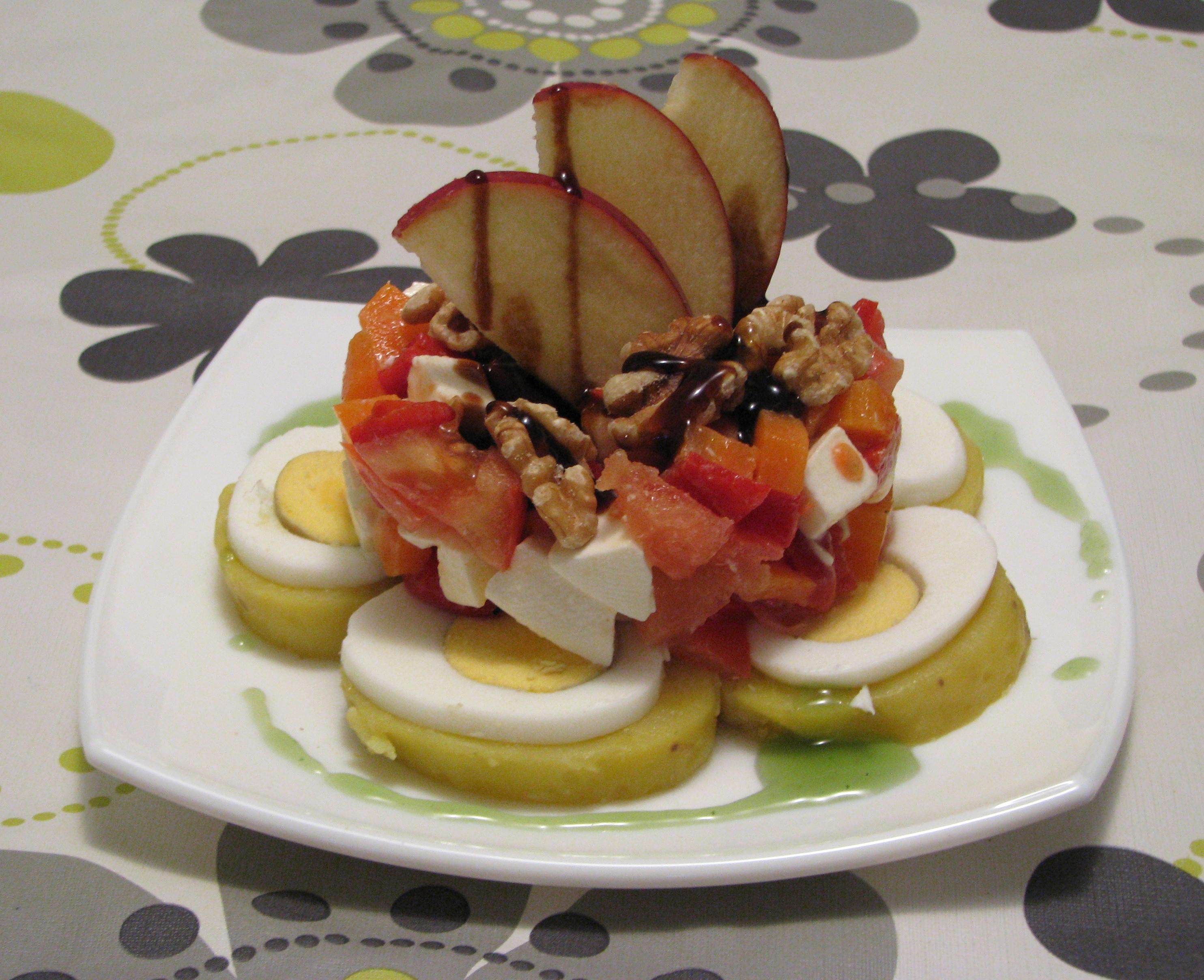 Ensalada de patata con crema balsámica de Módena y manzana