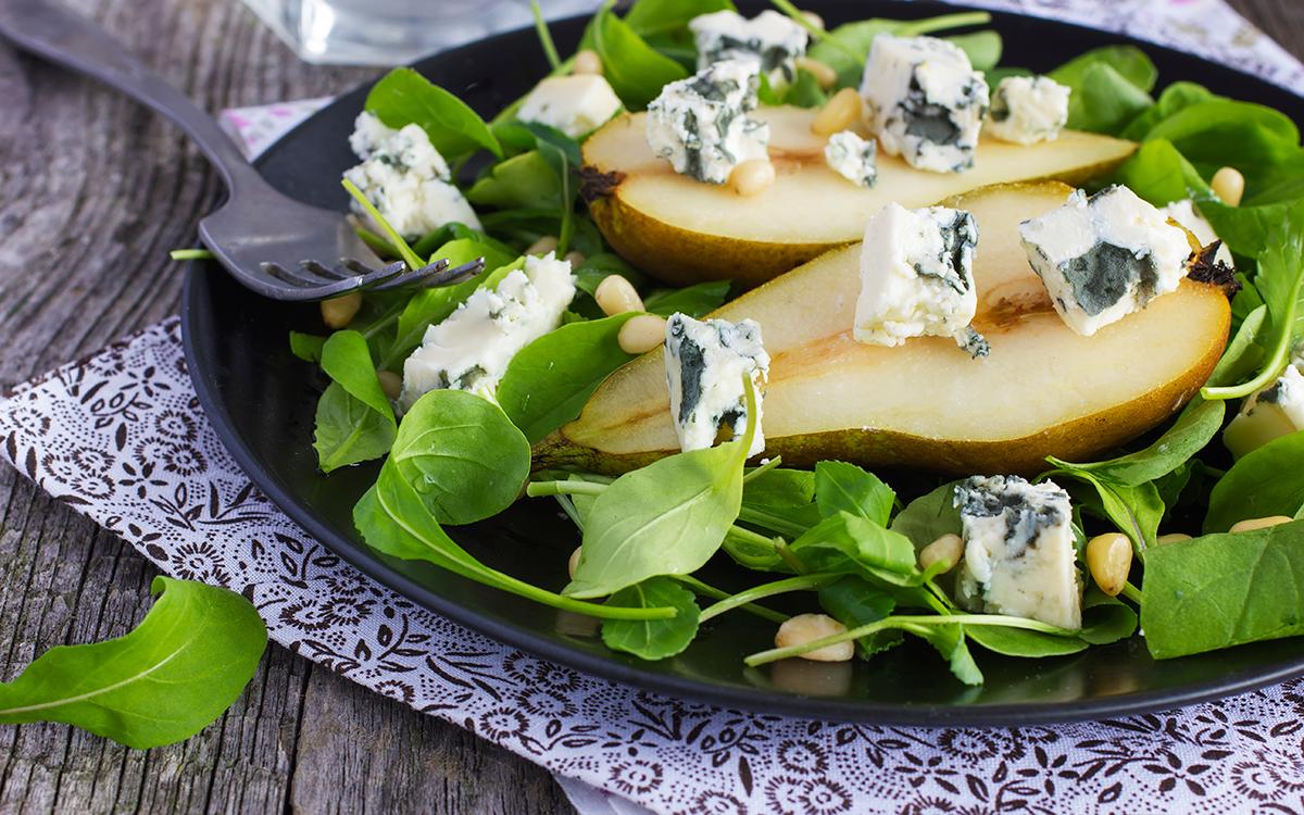 Ensalada de pera con queso azul