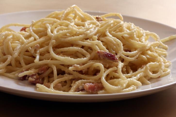 Espaguetis a la carbonara antigua