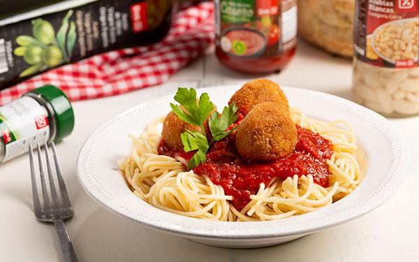 Espaguetis con albóndigas veganas