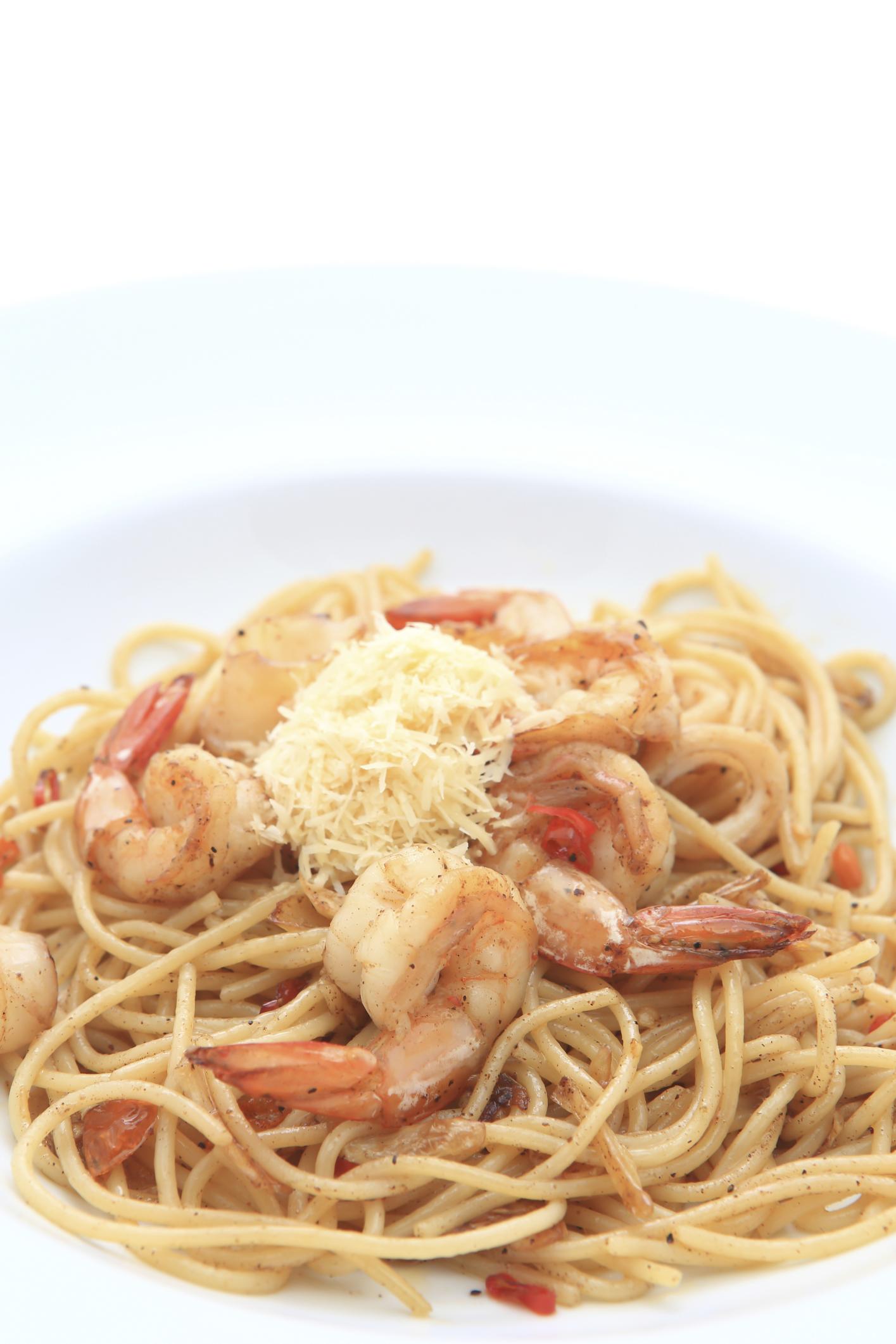 Espaguetis con crema de marisco