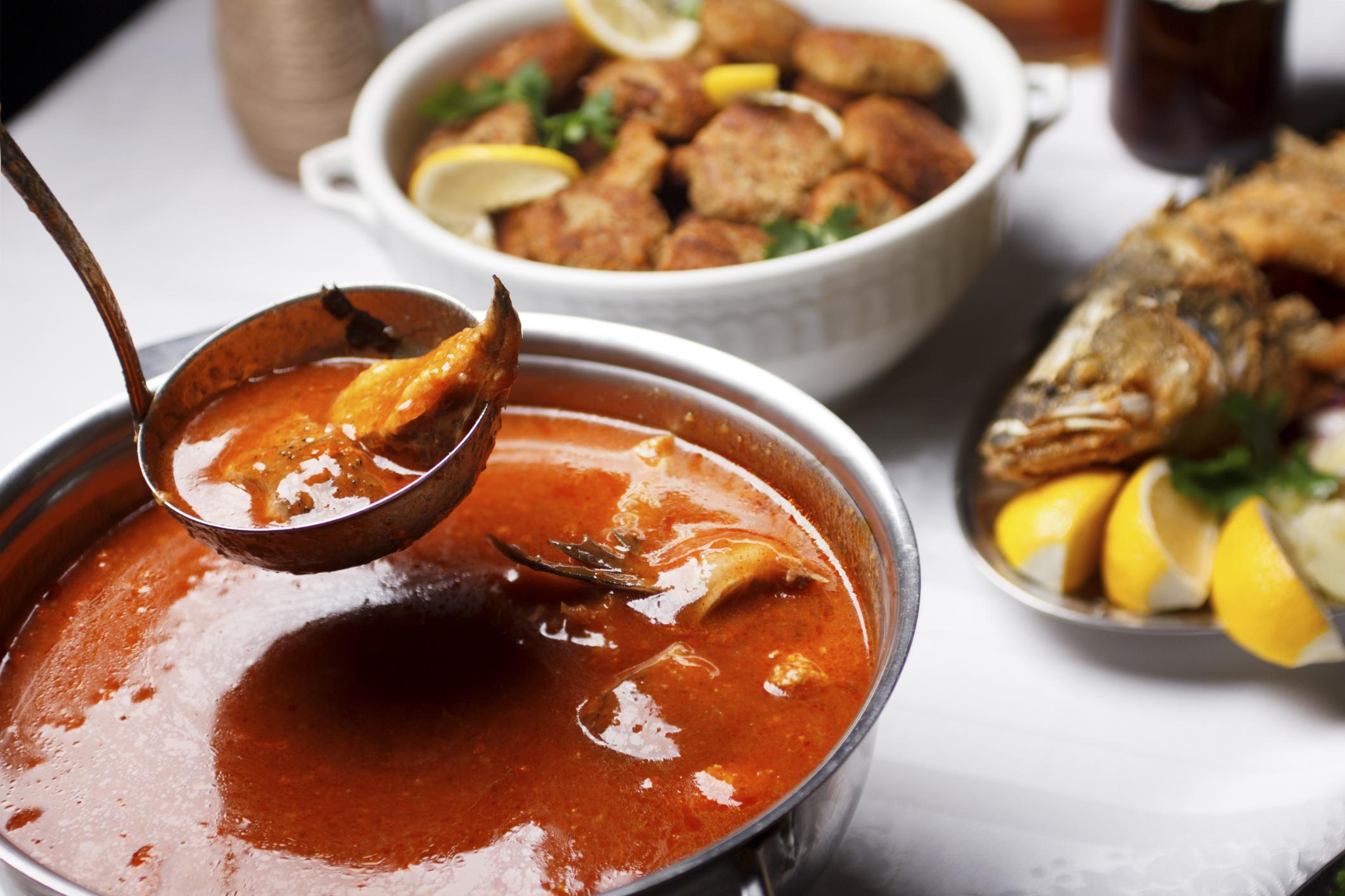 Sopa de pescado y sepia
