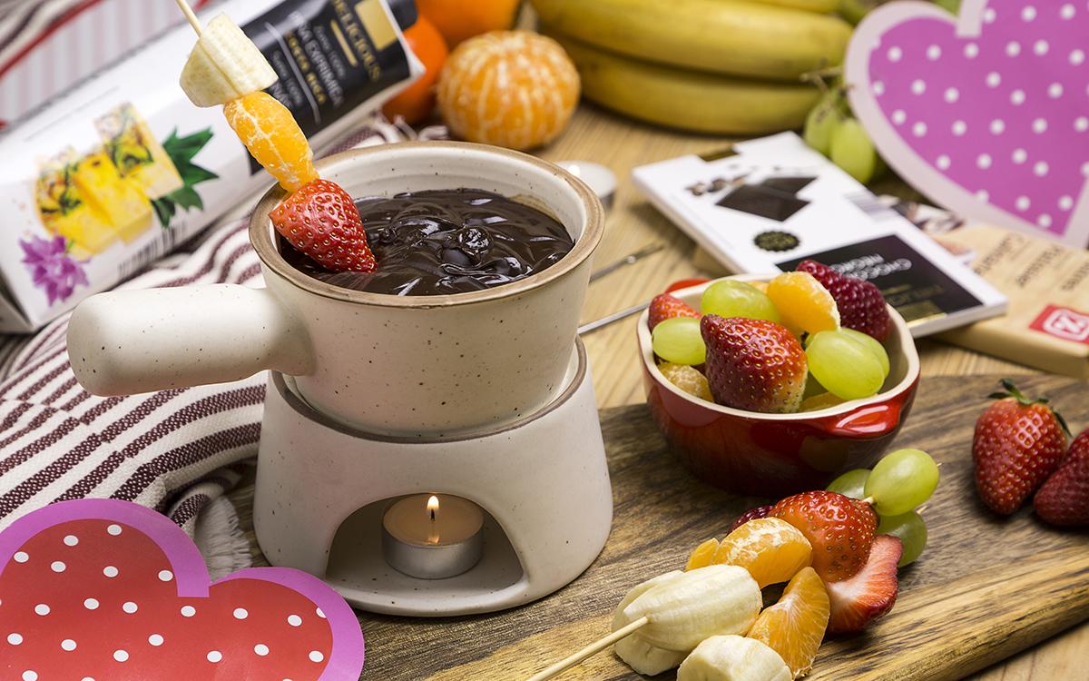 Fondue de chocolate y frutas para San Valentín