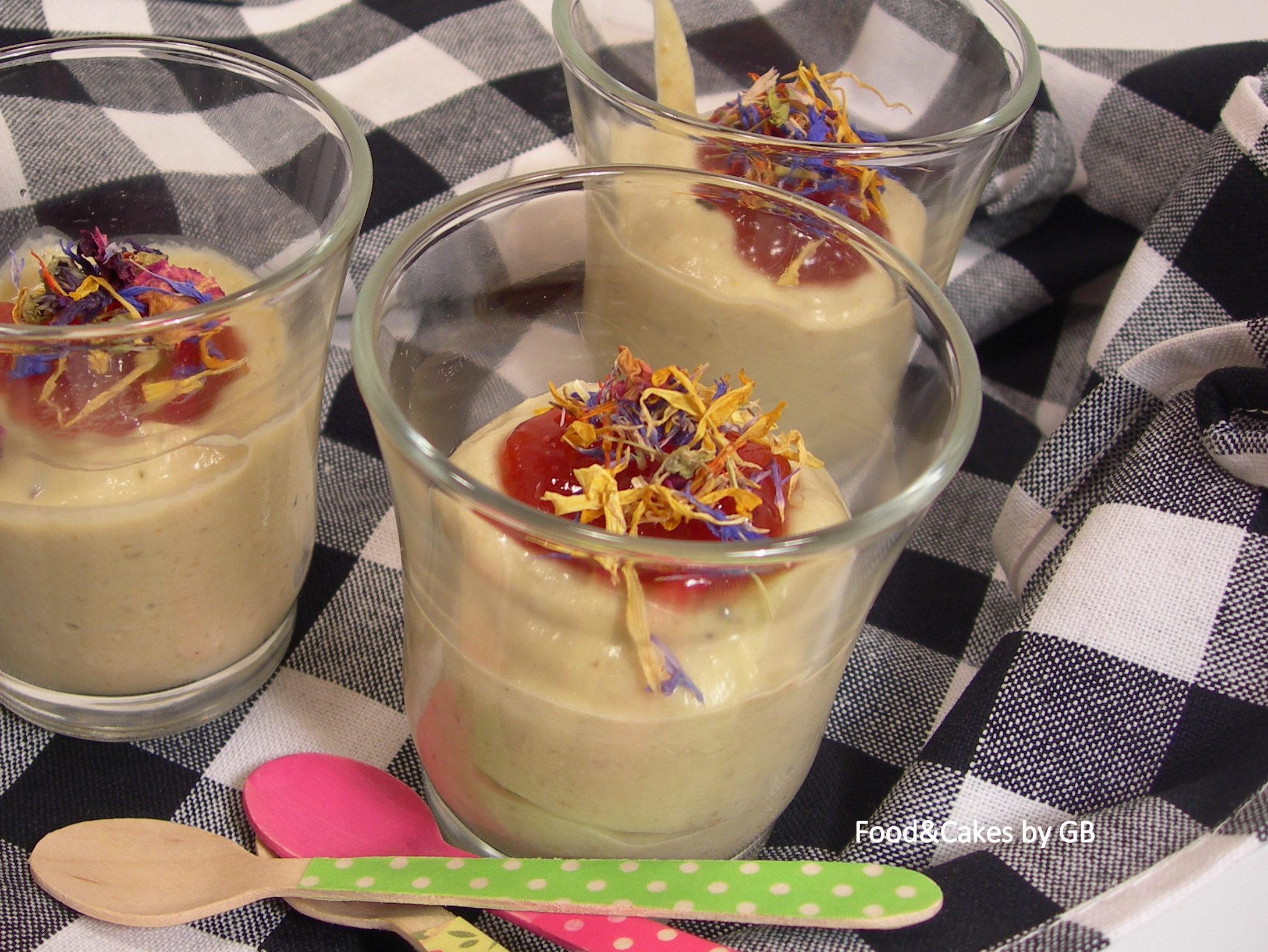 Vasitos de berenjena ahumada con mermelada de pimiento rojo