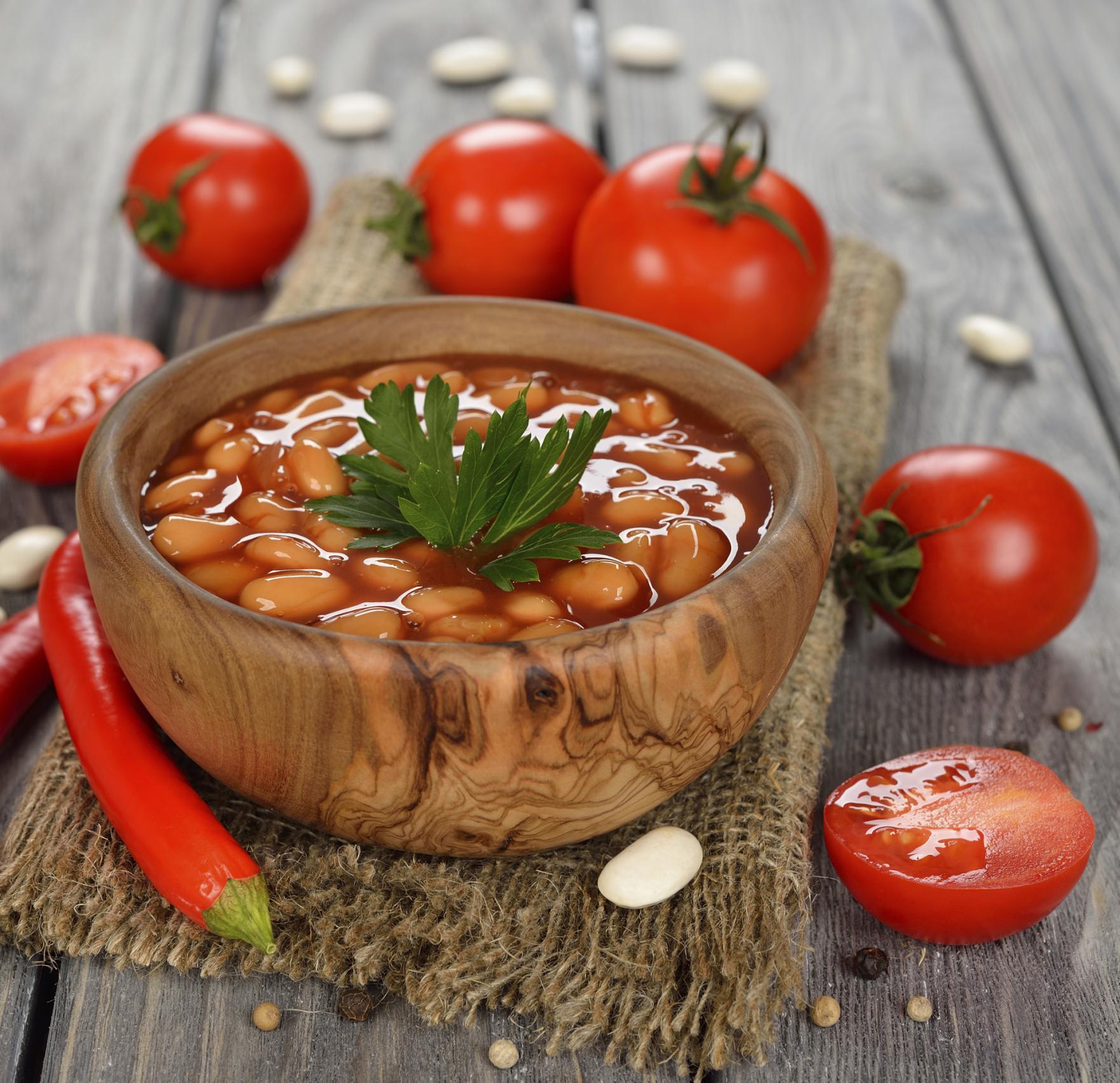 Frijoles Cannellini con Salsa de Tomate (Fagioli All'Uccelletto)