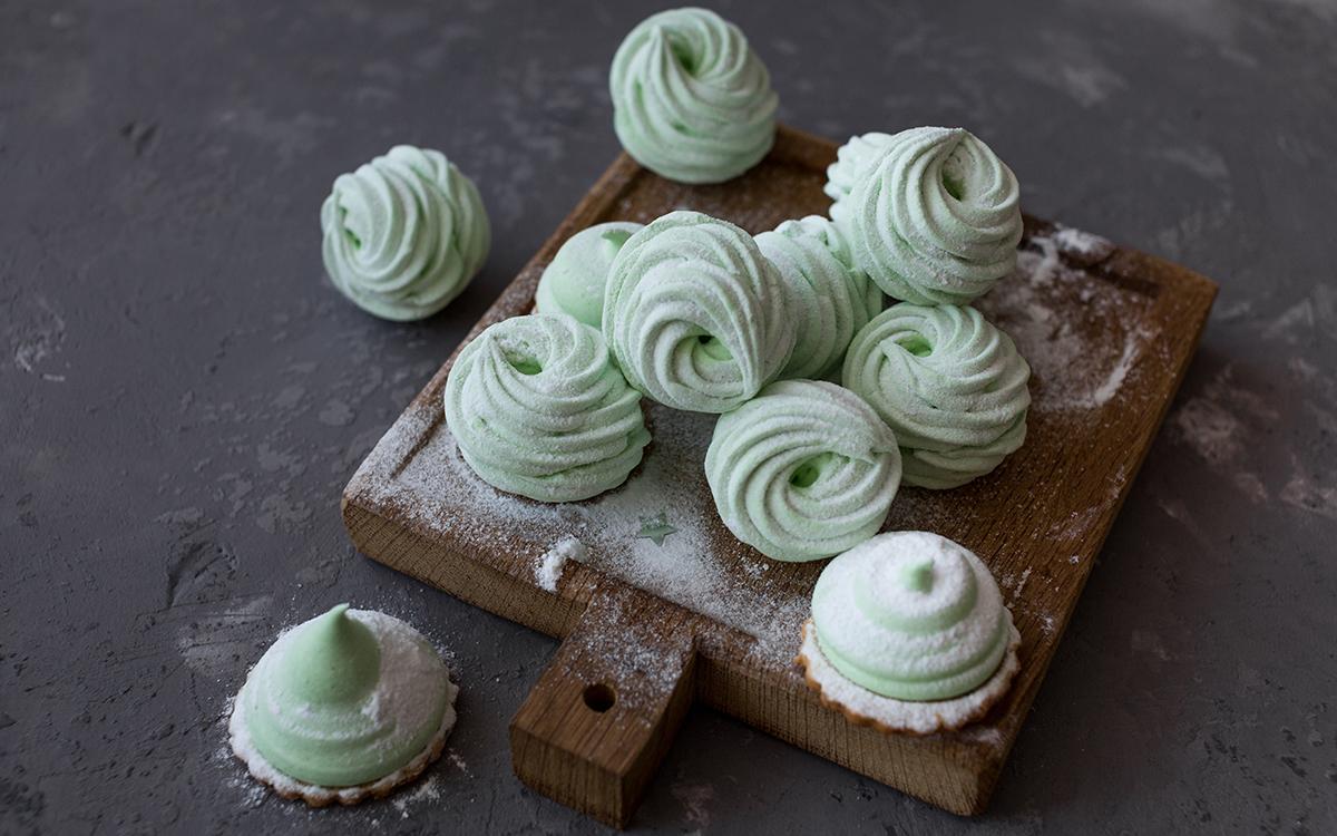 Galletas de manzana con merengue