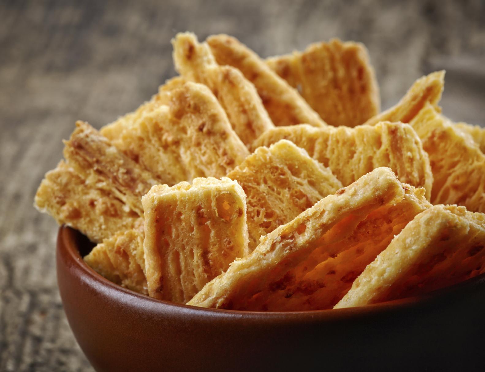 Galletas de queso emmental