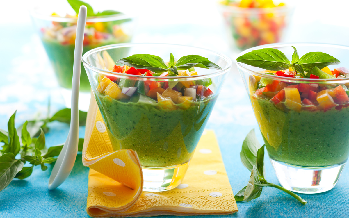 Gazpacho verde con mango