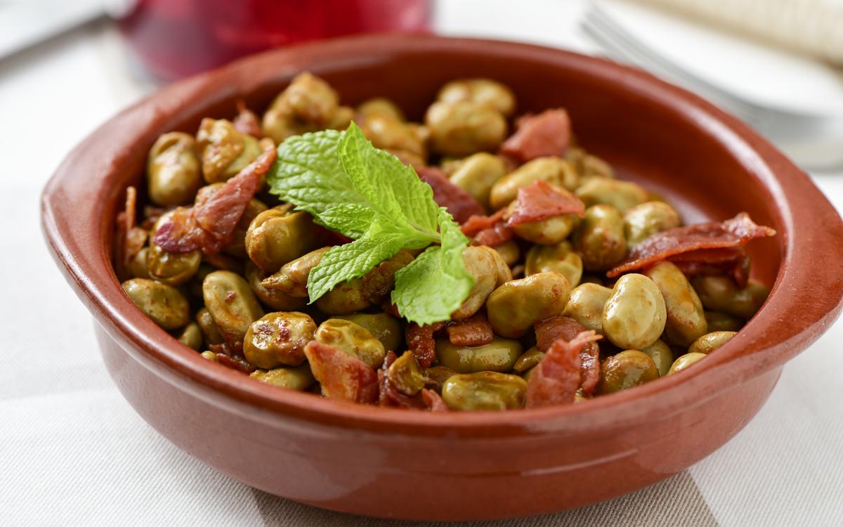 Bonito cocinar habas con jamon fotos gastronomia de - Habas frescas con jamon ...