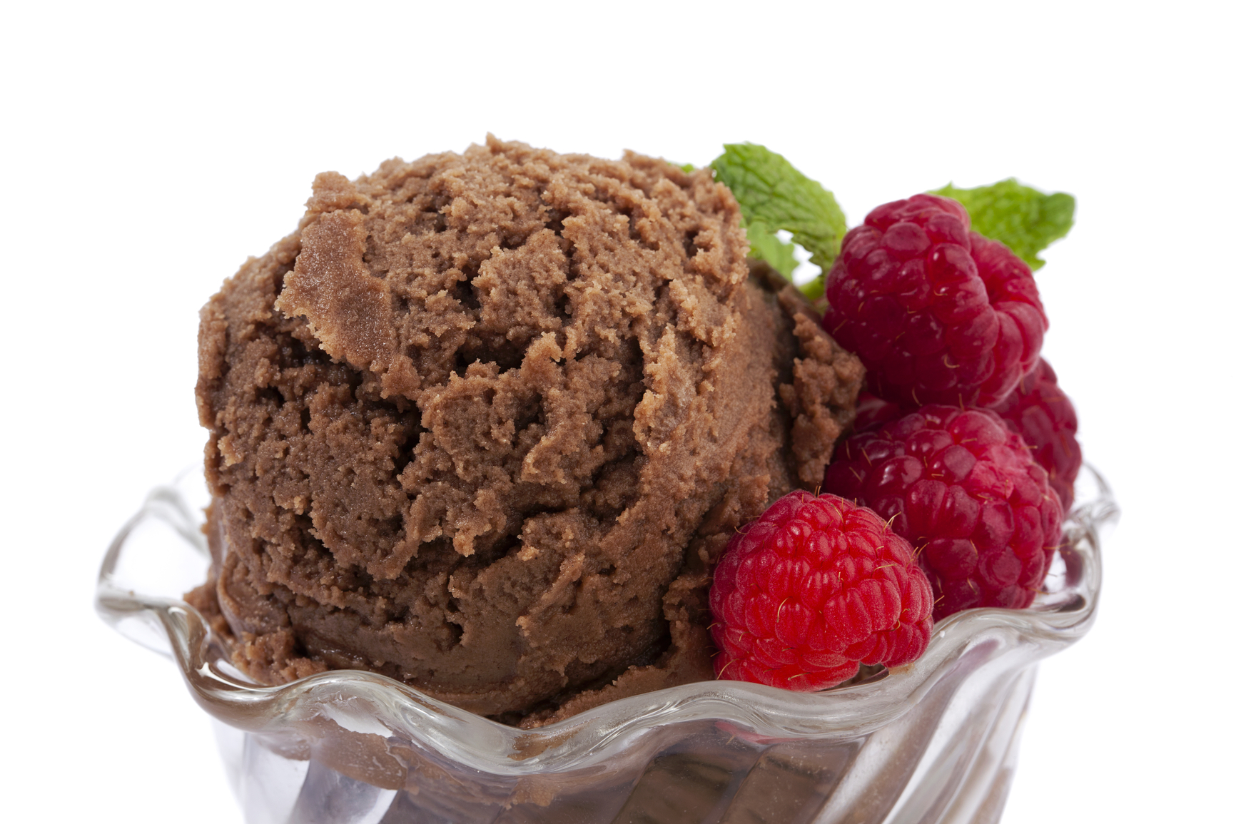 Helado de chocolate con frambuesa
