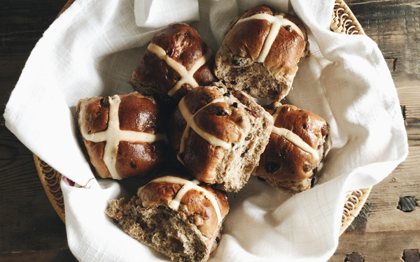Hot cross buns o panecillo de Pascua
