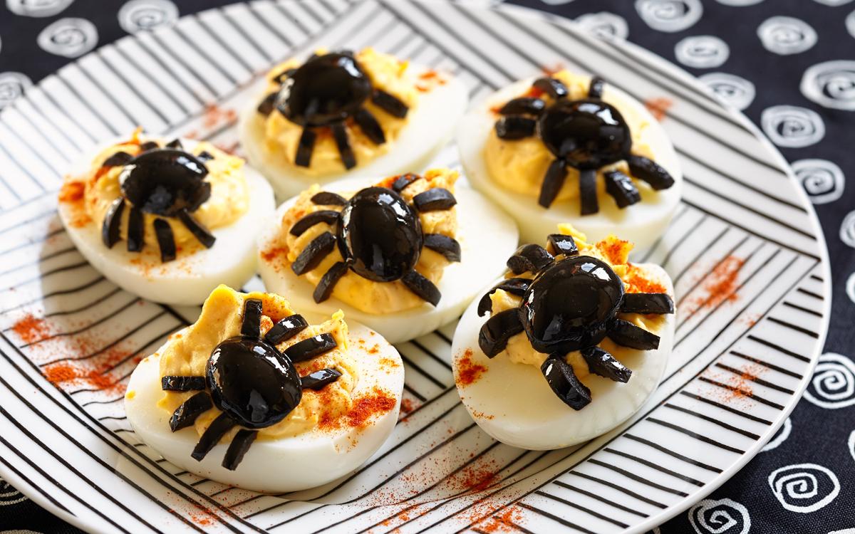 Huevos rellenos para Halloween