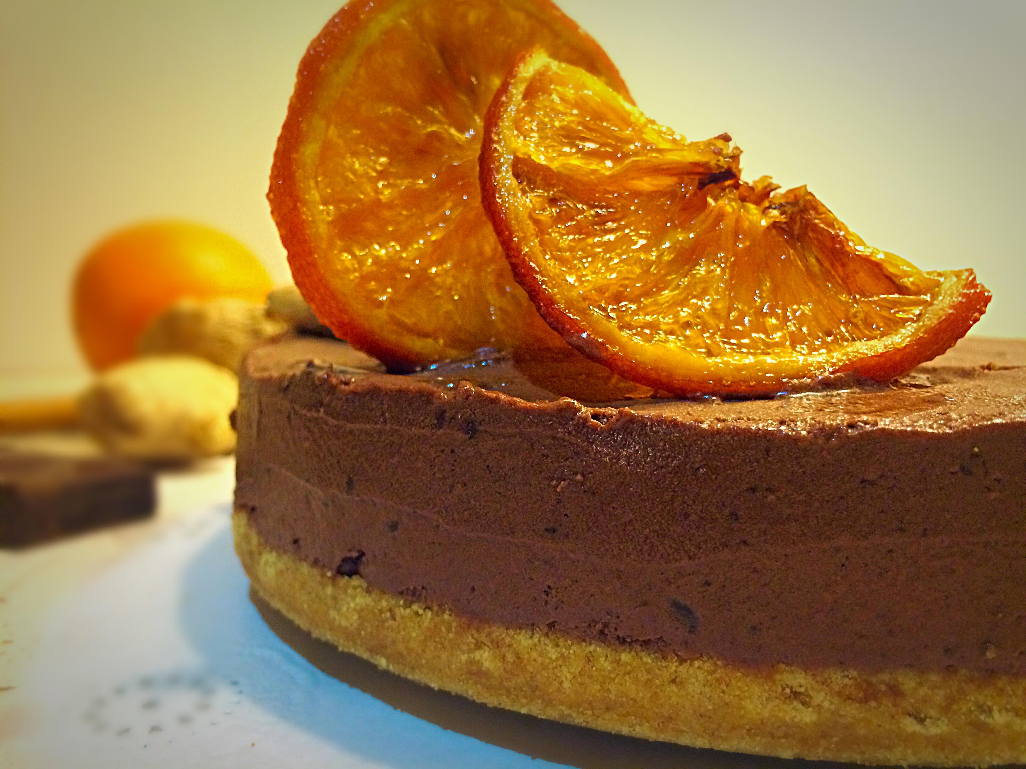 Mousse de chocolate y jengibre relleno de dulce de naranja