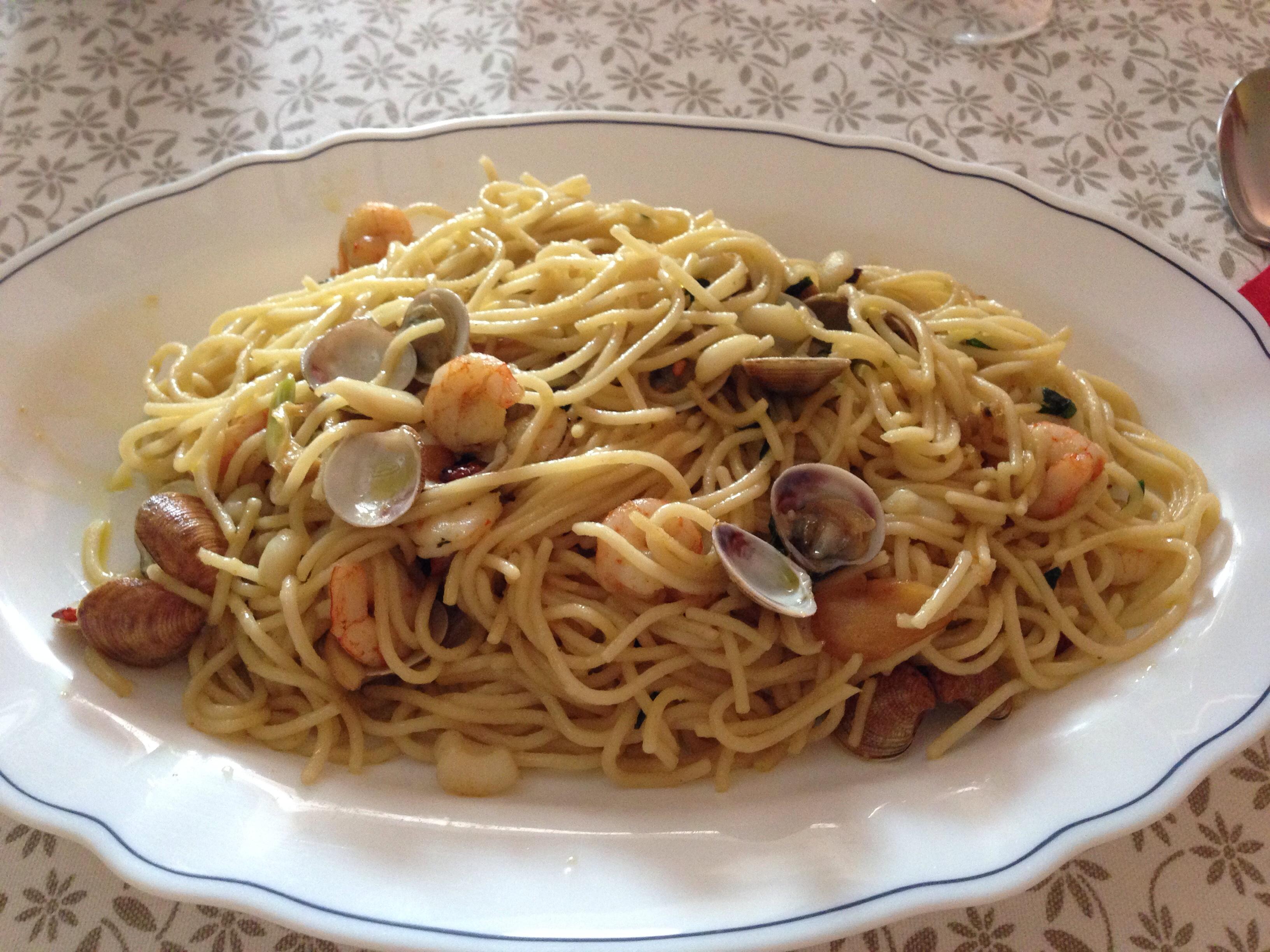 Spaguettis italianos Frutti di Mare